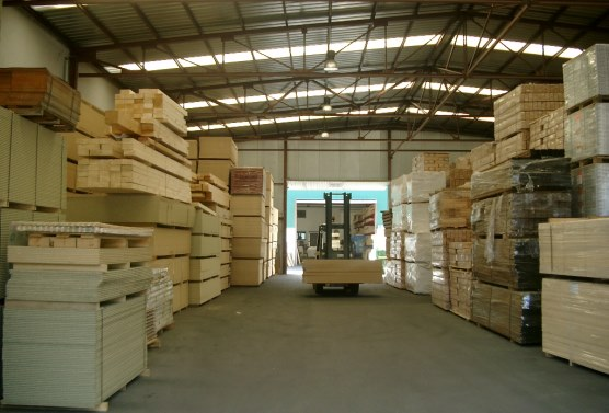 Grau i grau,maderas,puertas,tarimas,parquets,tableros,molduras,flandes,tropicales,vigas,laminadas,madera